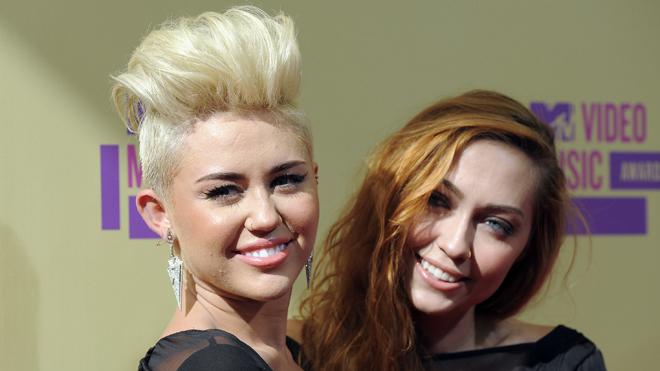 Miley cyrus i liam hemsworth randki 2014
